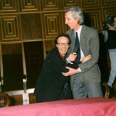 Roberto Benigni e Giovanni Marchesini, rettore 1996-2002, nel 1999