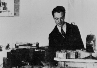 Bruno Rossi in his laboratory